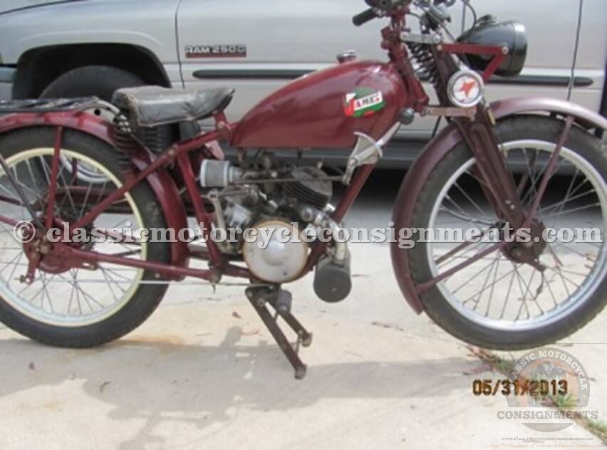 1946 FAMOUS JAMES MOTORCYCLE