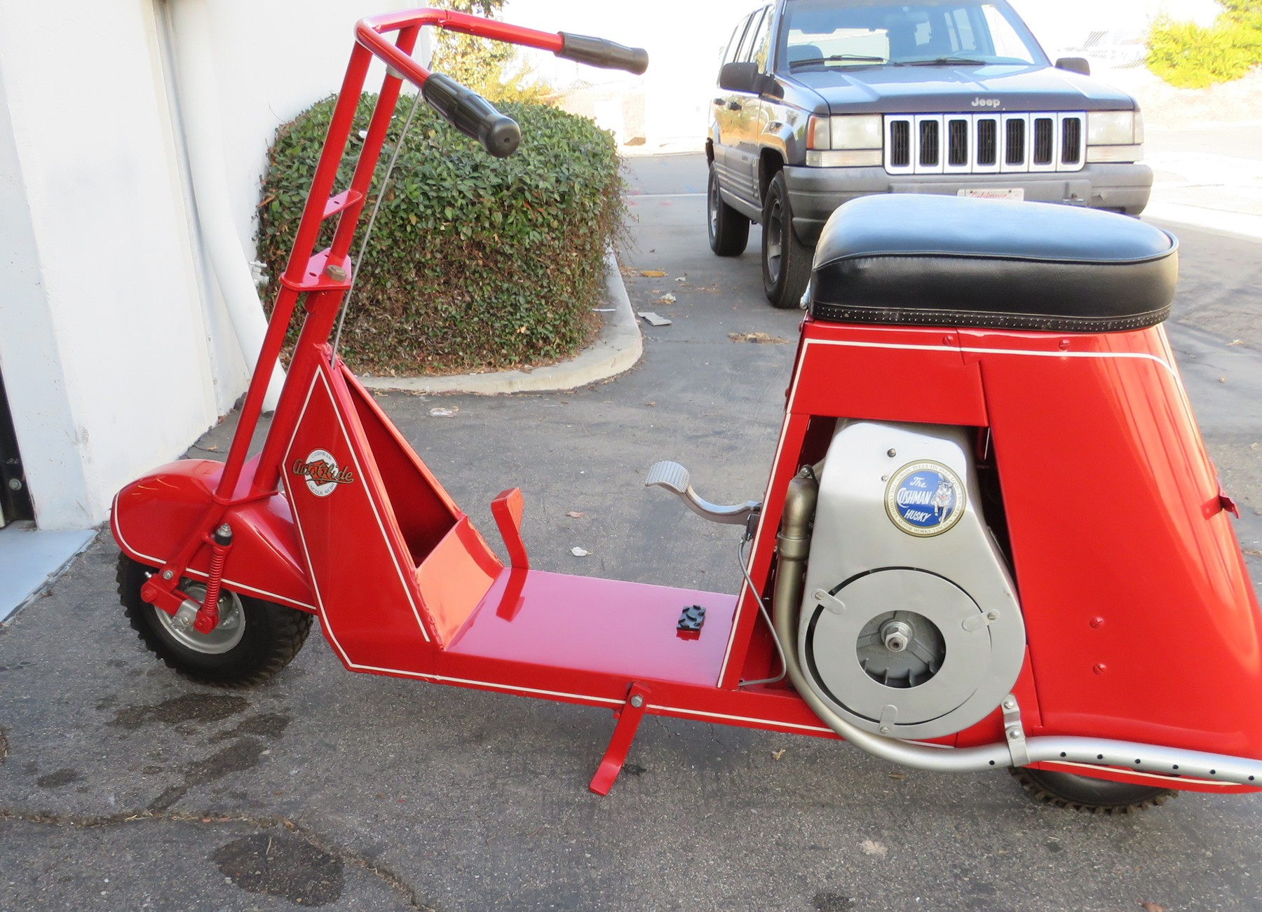 "1941 Cushman AutoGlide ""Milk Stool"" Scooter"